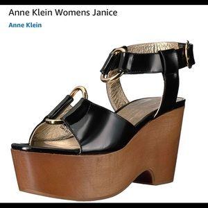 BNWOT ANNE KLEIN JANICE PLATFORM BLACK SANDALS